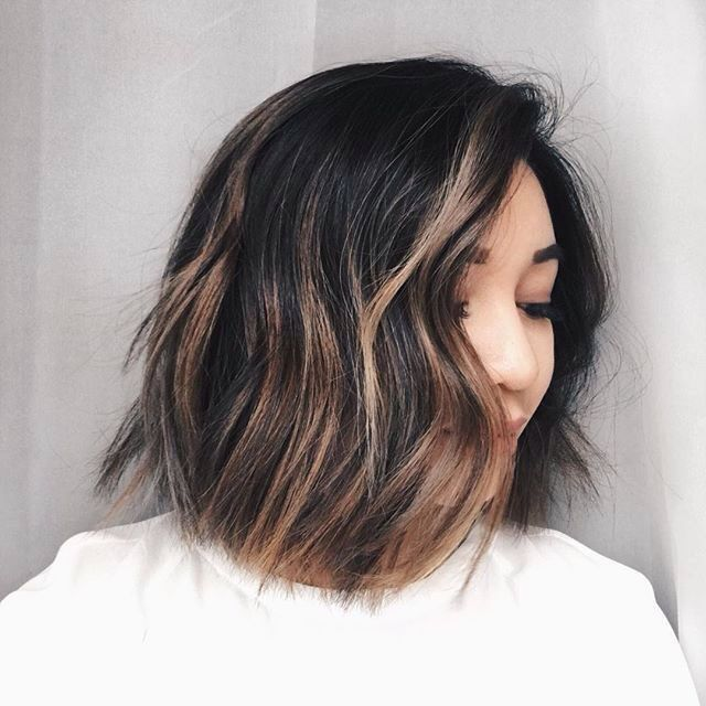 50 Hottest Balayage Hairstyles For Short Hair Balayage Hair Color Ideas Hairstyles Weekly Short Hair Balayage Balayage Hair Short Dark Hair