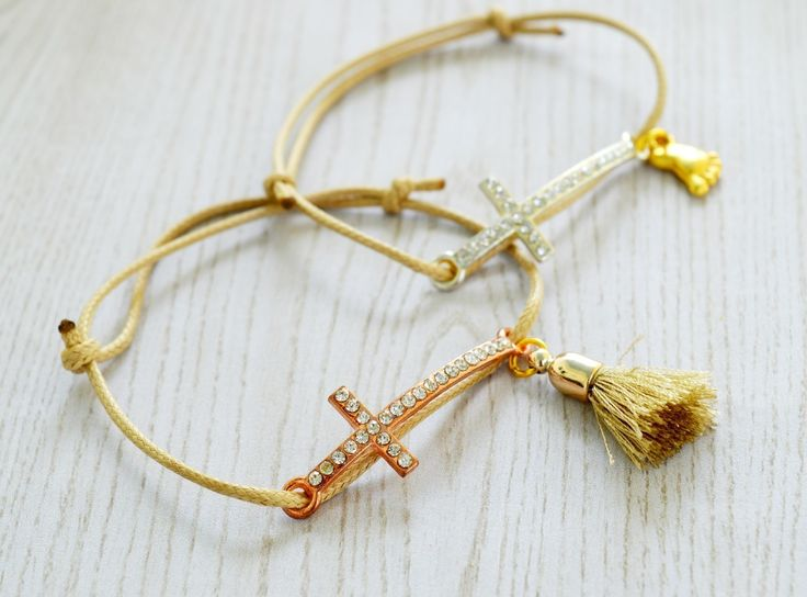 Baptism Favors (bracelets) Diy!  •  Free tutorial with pictures on how to make a bracelet in under 10 minutes