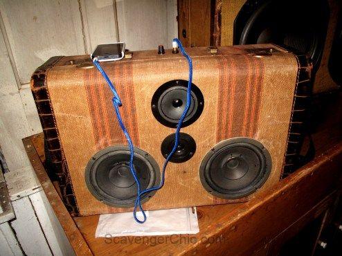 Vintage Suitcase upcycle, speakers