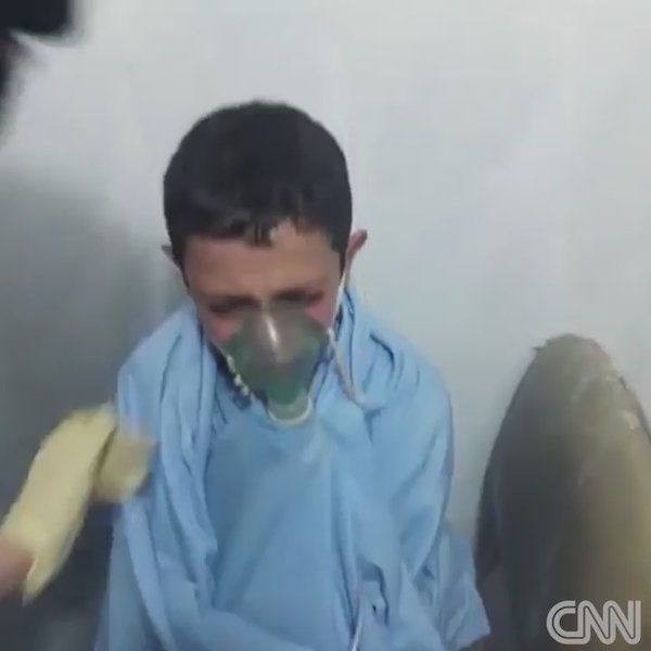 """CNN International auf Twitter: """"""""Will I die, miss?"""" A terrified young Syrian boy's words after apparently being hit by a chemical attack in Aleppo https://t.co/aYDeuTVWru https://t.co/89fBNJwtzK"""""""