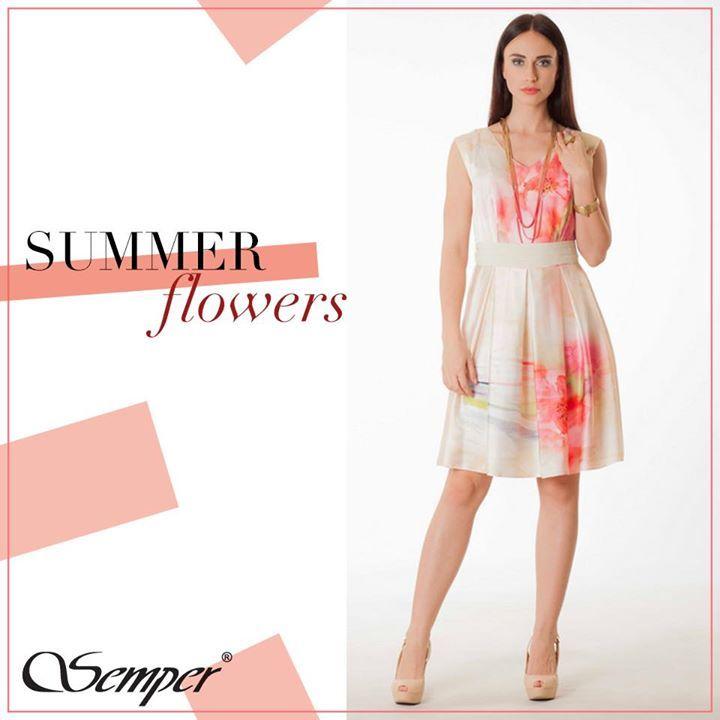 Zwiewna i delikatna sukienka idealna na letnie przyjęcie.  http://bit.ly/SemperAkwarele