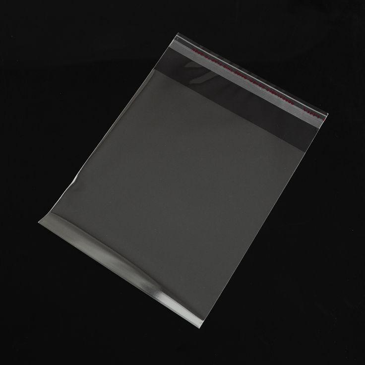 O envelope plástico pode ser fabricado em polipropileno (PP), polietileno de baixa densidade (PEBD), polietileno de alta densidade (PEAD), COEX, Laminados, entre outros. Podem ser liso ou personalizados em até 8 cores (primárias ou secundárias) e ainda disponibilizamos a opção frente ou frente x verso. O envelope plástico também é muito utilizado para envio de produtos de e-commerce ou no transporte de itens de valor - documentos ou câmbio. Venha adquirir o seu!