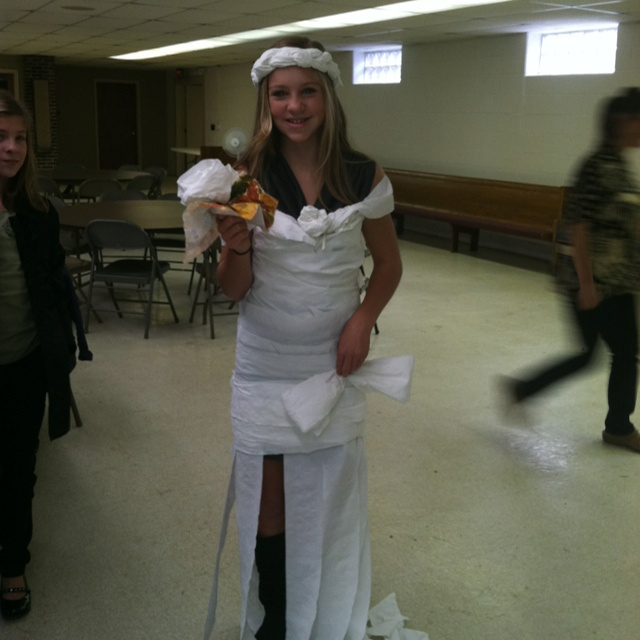 Toilet Paper Wedding Dress Game: 17 Best Images About Hen Night Ideas On Pinterest