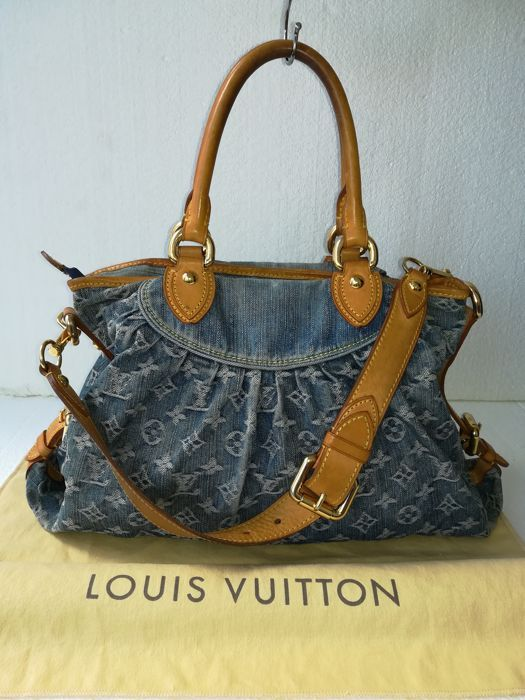 43d395ac57 Catawiki, pagina di aste on line Louis Vuitton - Neo Cabby Handbag ...
