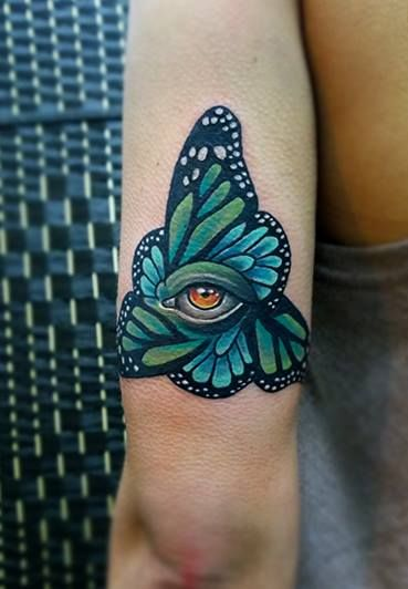 Redberry Tattoo Studio Wrocław #tattoo #inked #ink #studio #wroclaw #warszawa #tatuaz #dresden #redberry #katowice #redberrytattoostudio #amaizingtattoo #poland #berlin #eztattoo #nastiazlotin #zlotin #sketch #buttereye #butterfly #eye #oko #nature #frame #project #design