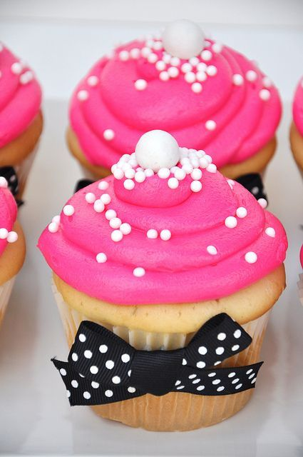 Hot pink with white sprinkles would mot have giant white dot at the top
