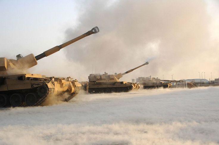 AS-90 self-propelled artillery - Semovente