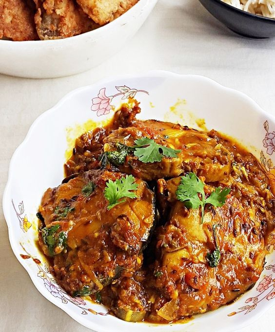Tamarind king fish curry - king fish (surmai) in tamarind sauce