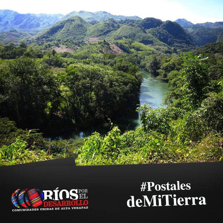 Las Verapaces son un bello lugar que nos ofrece disfrutar de la vida al aire libre, los recorridos por brechas, las caminatas y la convivencia con la naturaleza. Aquí encontramos las tierras montañosas, cordilleras arcaicas, bosques nublados, orquídeas, cascadas, lagos, cuevas, que lo hacen un lugar incomparable, además de sus atractivos físicos se concentran dos de los símbolos patrios de Guatemala, el Ave Quetzal y la orquídea Monja Blanca.