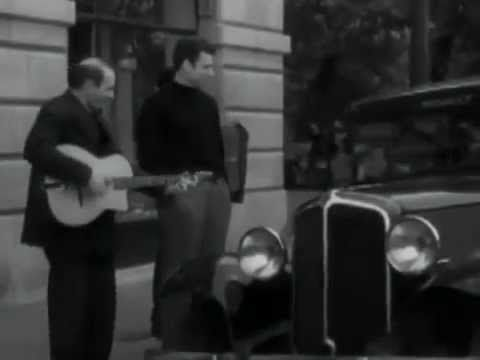 "▶"" A Paris ""Yves Montand (video clip) lyrics - Paroles et musique Francis Lemarque"