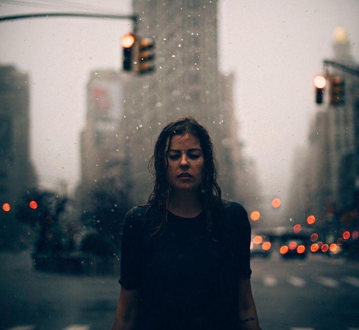 15. Bajo la lluvia