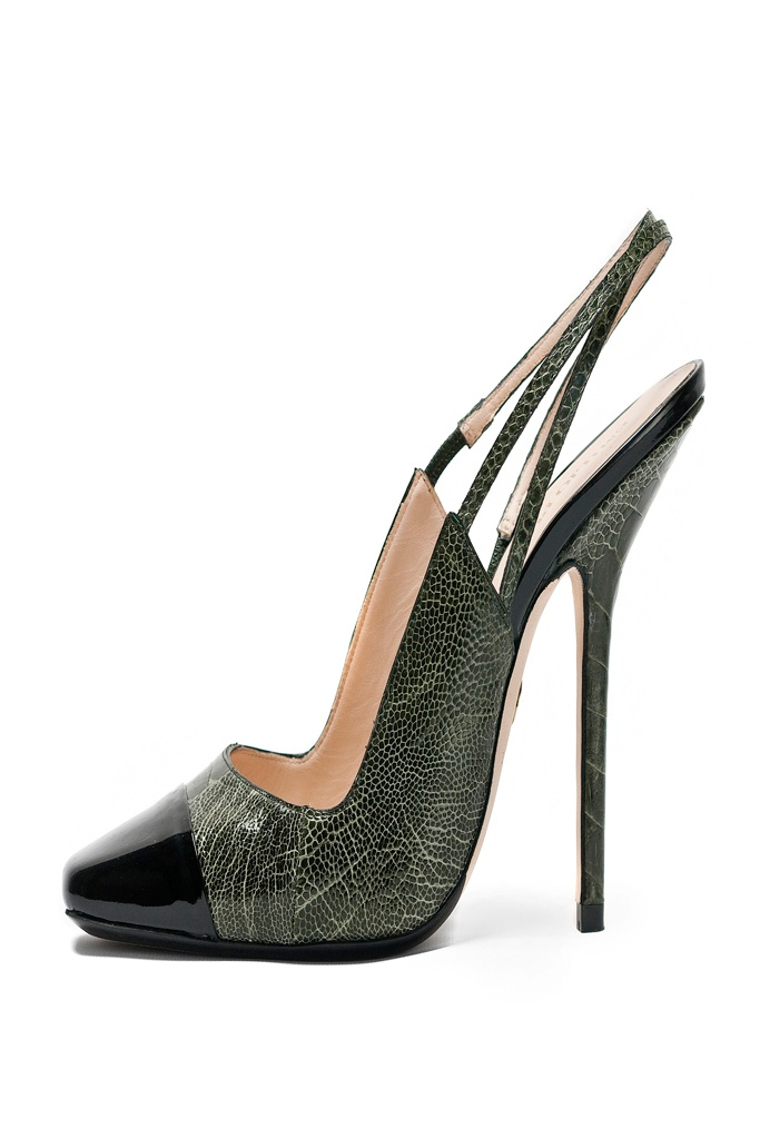 Pucci - Wow. Super extreme. Just wish to try them... For a few minutes. But very nice design indeed. (MP)