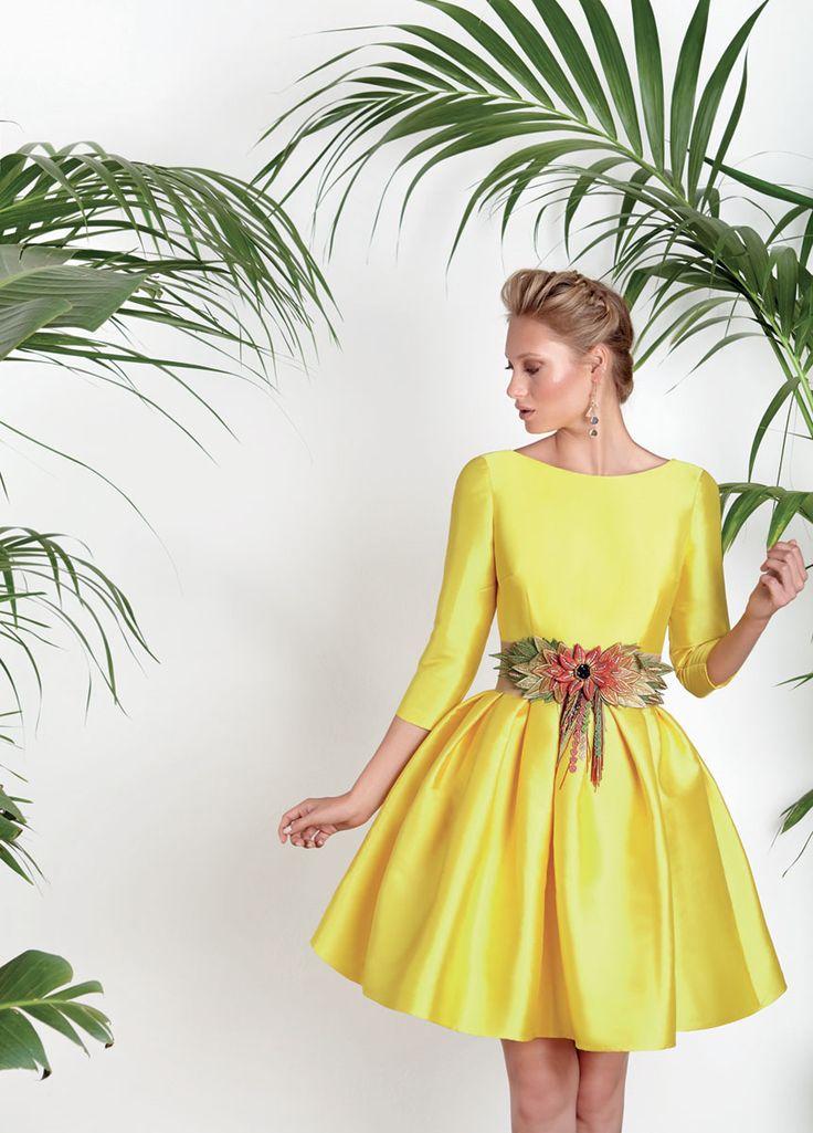 Vestidos de fiesta - Vestidos celebración - Matilde Cano - Vestidos De Fiesta, Vestidos Para Boda, Vestido Mikado Primrose Yellow, Falda Pliegues