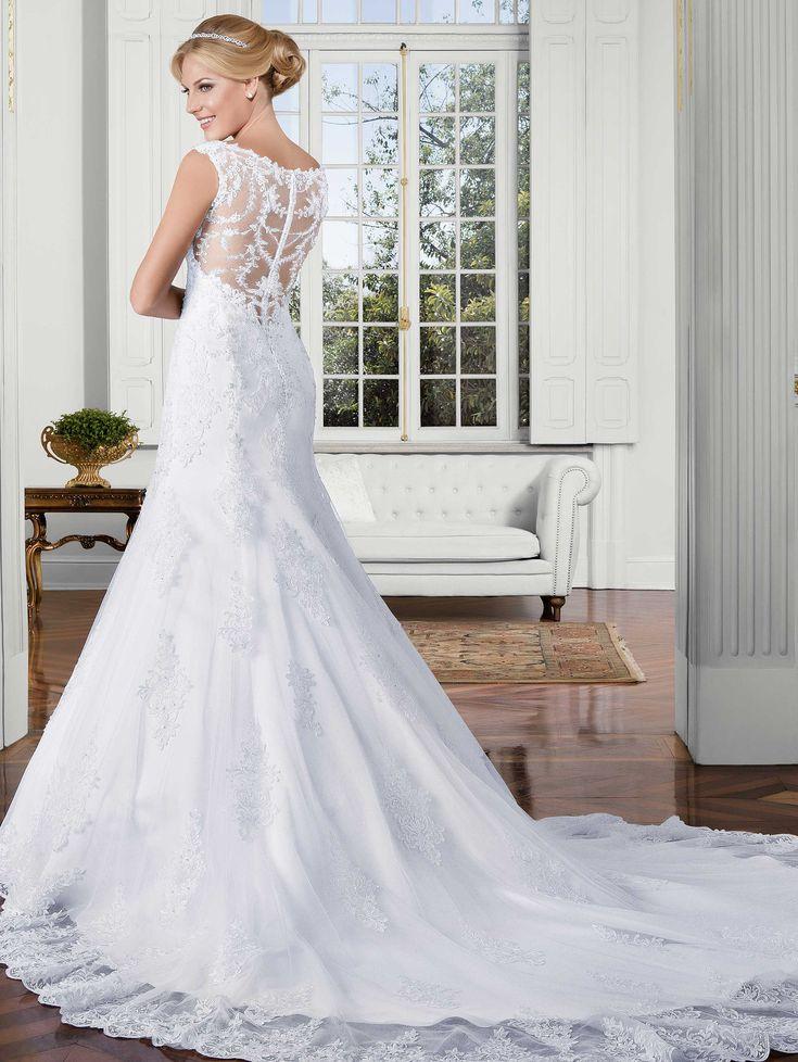 Descubra mais sobre as coleções que continuam encantando todas as noivas que passam pela Nova Noiva - Coleção de vestidos de noiva Poème