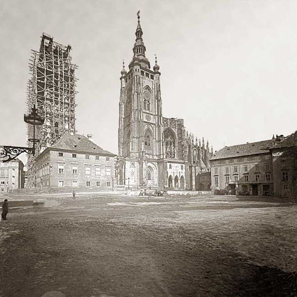 Stavba věží v roce 1891