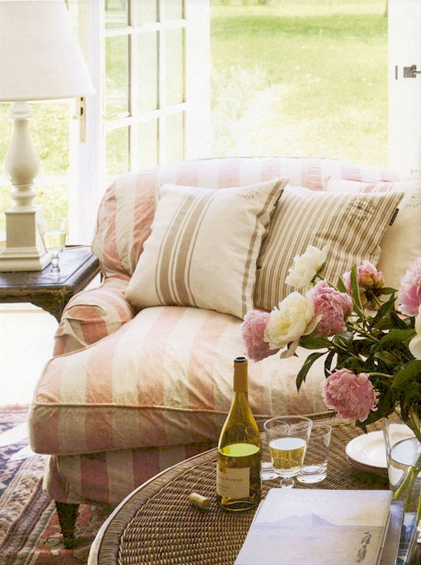 so classy!: Cottages Style, Living Rooms, Pink Stripes, Summer Day, Soft Pink, Shabby Chic, Comfy Couch, White Wine, Sofas