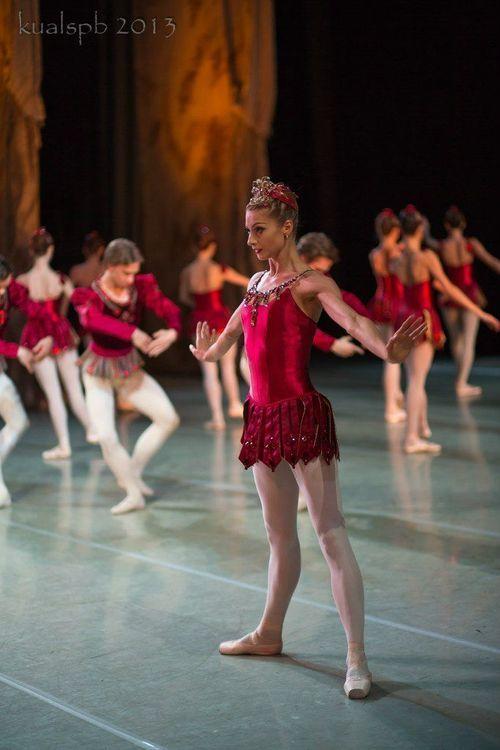 Ekaterina Kondaurova in Balanchine's Jewels (Rubies), Mariinsky Theatre Photo by Alexander Ku
