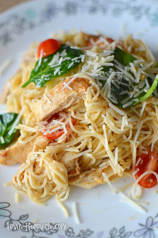 Lemon Pasta with Chicken, Spinach, and Tomatoes