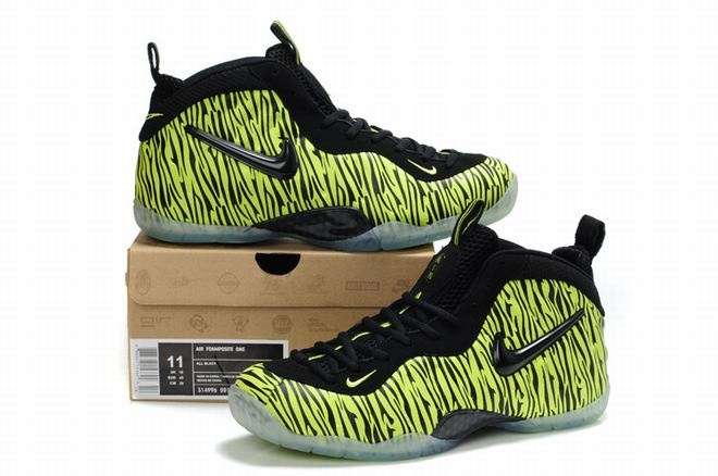 Foamposite Pro Dazzle Colour Green have a pretty special design right from  the textured shoe laces