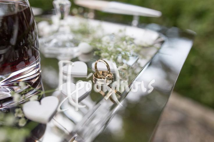 wedding rings. plan your wedding in greece