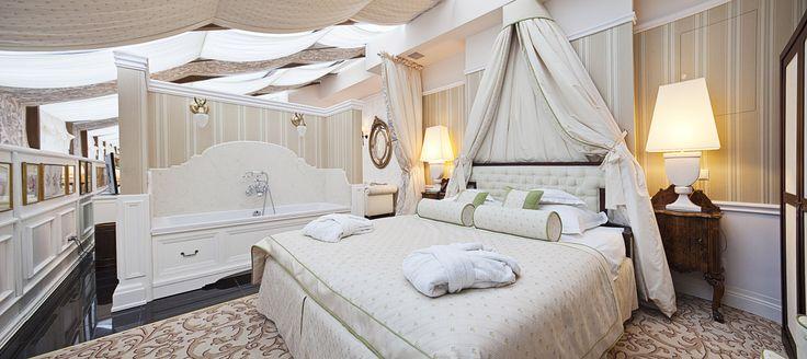 Luxury Suite no. 501 - Penthouse - Pod Gołym Niebem Book now on: http://www.palacbonerowski.com/accomodation-page-73162  #krakow #travel #thebonerowskipalace #historichotelsofeurope #boutique #object #poland #luxury