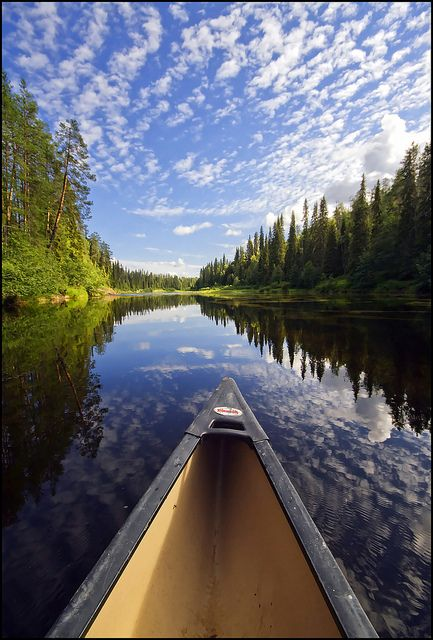 A fun and scenic adventure. Let's go canoeing in Oulanka, Finland