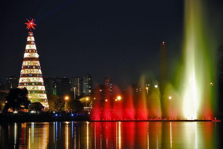 Natal iluminado. Parque do Ibirapuera, São Paulo, Brasil: Sao Paulo, Water Fountain, Christmas Time, Christmas Music, Ibirapuera Parks, Christmas Lights, Christmas Carol, Christmas Trees