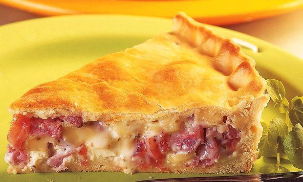 Receita de torta de linguiça, uma torta para lanche da tarde fácil e economica, fica bem recheada e vende muito bem, Faça para seus familiar