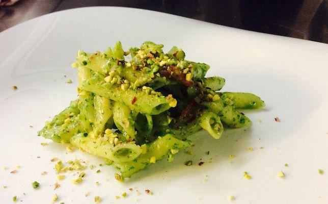 Penne allo spada con pesto di pistacchi www.foodloft.it/
