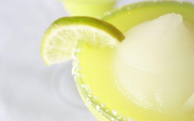 Procura o drinque ideal para o verão? Prove a frozen margarita