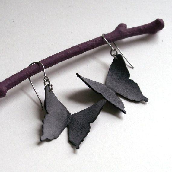 Papillon porte-queue Silhouette boucles d'oreilles - chambre à air eco amical vélo recyclé - noir