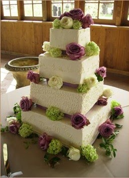 Wedding Cakes Pictures: Purple & Green Square Wedding Cakes