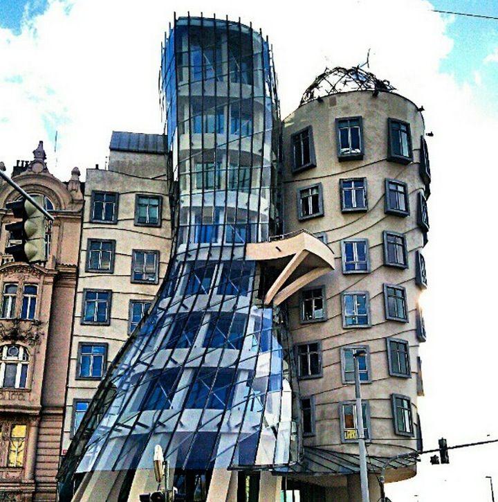 Tančící dům | Dancing House in Praha, Hlavní město Praha (NYT)