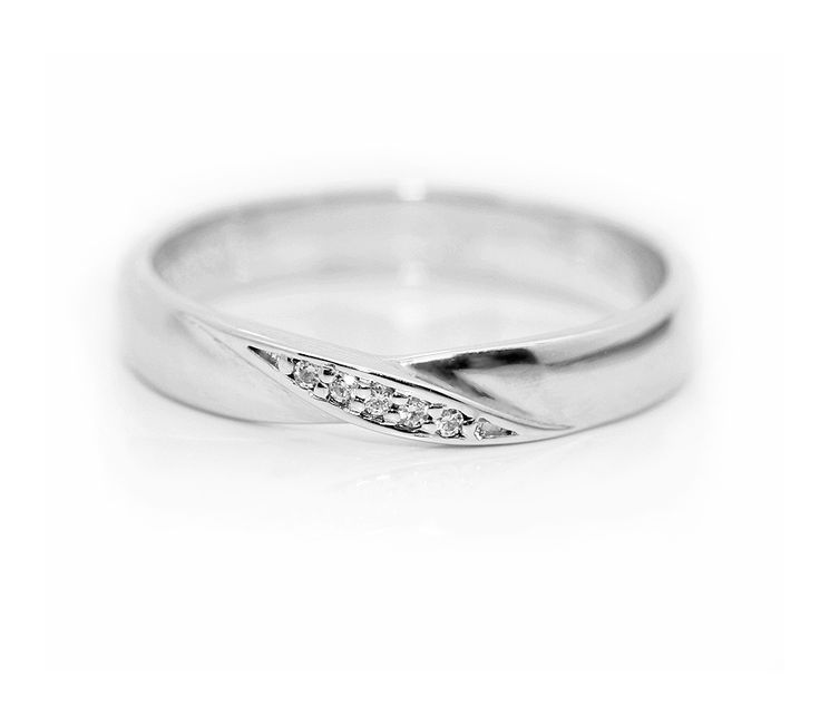 Lovely simple shaped wedding ring design from Serendipity Diamonds. A simple twist with narrowing central point ensures a flush fit against a single stone ring, incorporating practicality into the design.