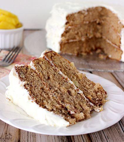 Old-Fashioned Recipe for Hummingbird Cake | FaveSouthernRecipes.com