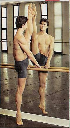 Roberto Bolle. Male ballet dancers are attractive...