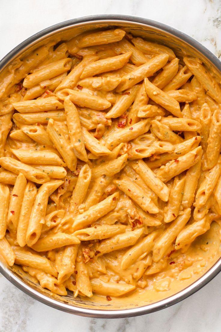 Creamy Spicy Sun Dried Tomato Pasta   – essen