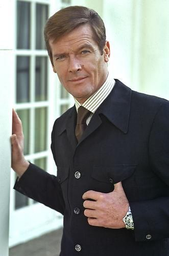 Roger Moore as 007 | Roger Moore // Club James Bond France