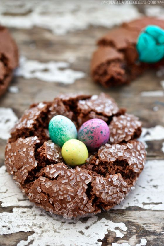 EASTER Chocolate Nest Crinkle Cookies | by @Marla Meridith #glutenfree