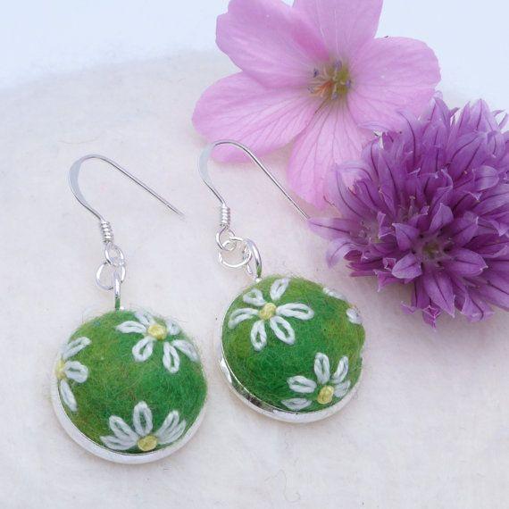 Felt Flower Earrings  green by MoorFunDesigns on Etsy