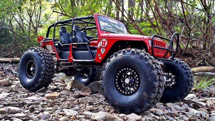 West Jordan, UT must be the perfect environment for Brenda Sumner's custom JeepZilla. She started with a MattZilla RC Works chassis, to which she added RC4x4 Performance stainless links, Kyosho Re...