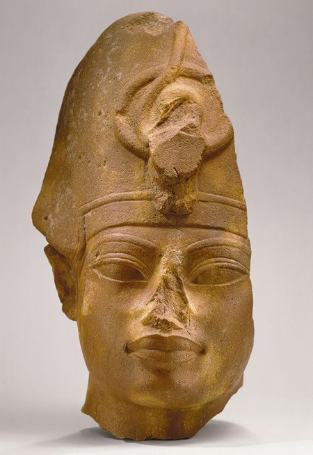 Head of Amenhotep III, New Kingdom, Dynasty 18, reign of Amenhotep III, c. 1390 - 1352 BC    http://www.metmuseum.org/toah/works-of-art/56.138