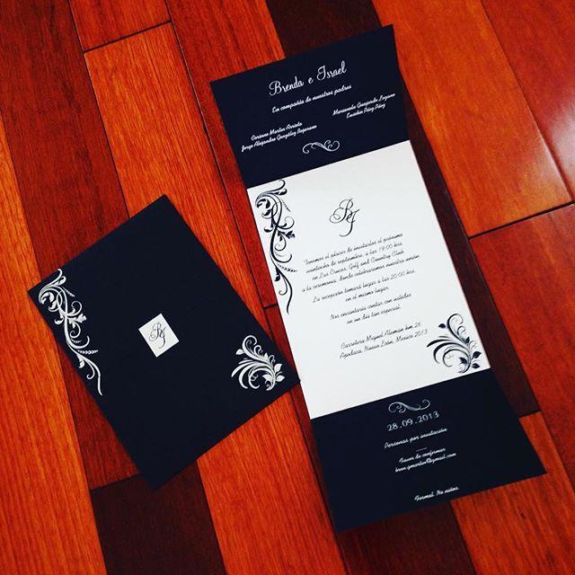 Invitación lista! #wedding #boda #invitación #stdmx #blanco #azul #brendaeisrael #diseño