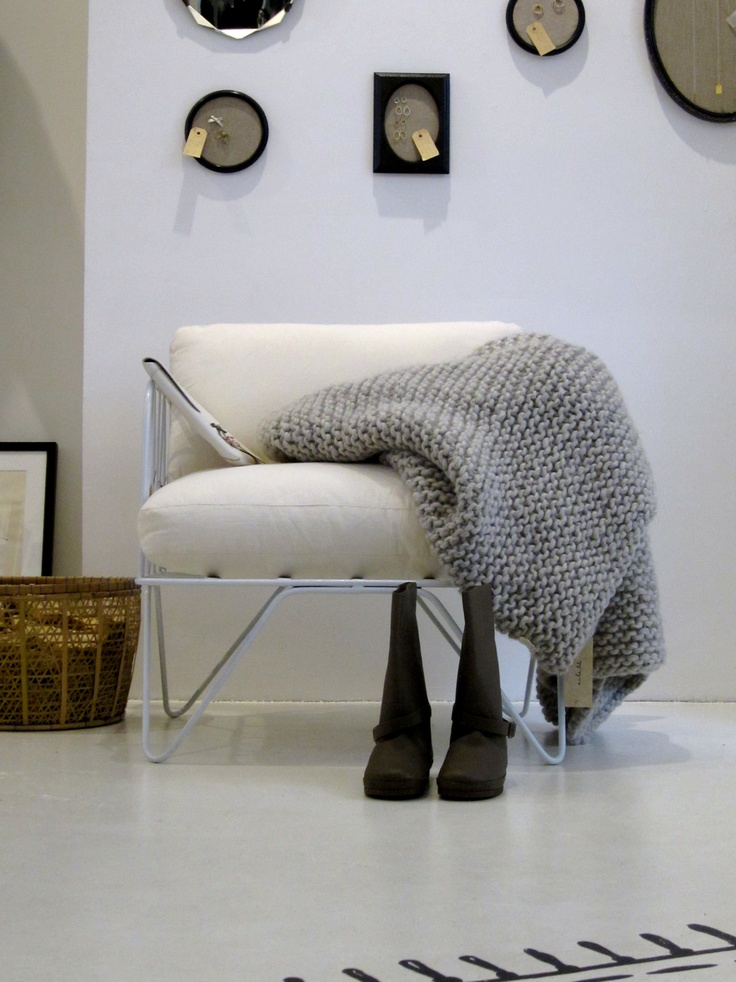 #Blanket #Bedspread #Shop @ http://zilalila.com/shop/all-we-have #Zilalila #Sukha #Amsterdam #Fairtrade #Nepal #Conscious #Knitted #Beanbag #Gebreid #Cozy #Warm #White