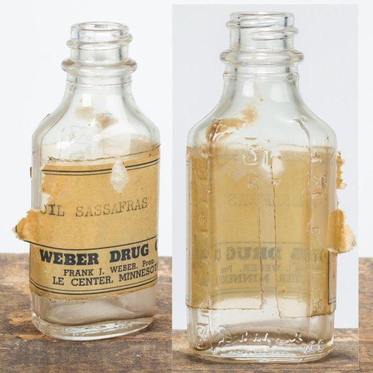 Vintage 1950's Owens-Illinois 3i Glass Medicine Bottle Graduated Fluted Embossed Pharmacy Sassafras Oil FREE SHIPPING!