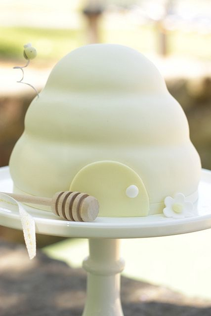 Beehive cake for Beehive State celebrations. :-)