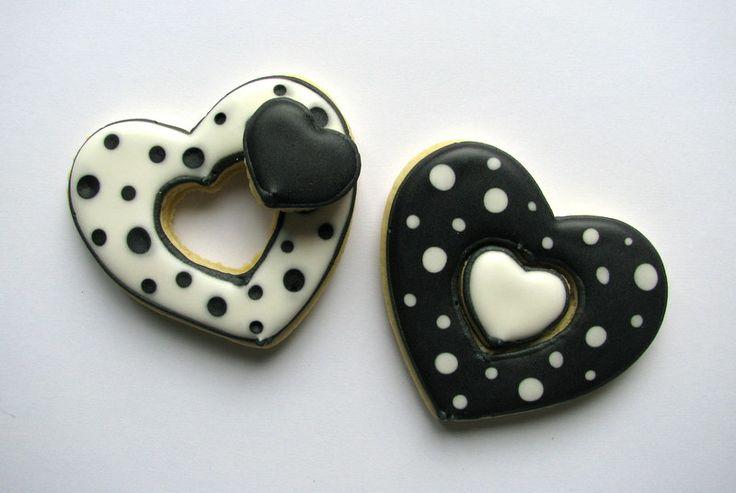 black polka dots cookies
