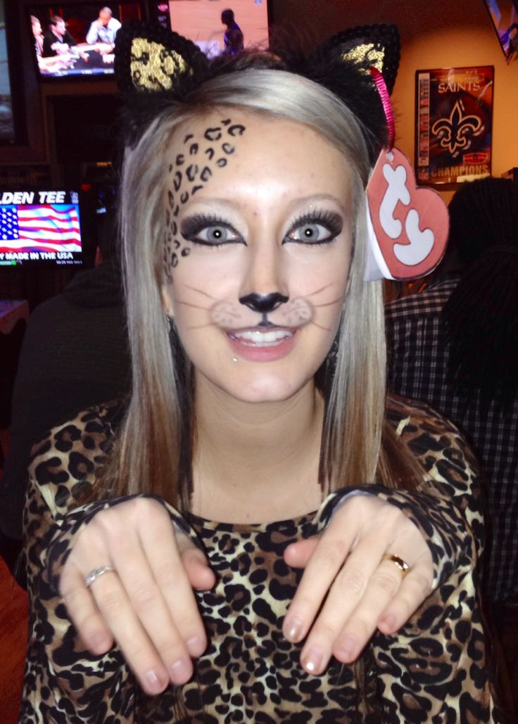 Halloween costume. Cheetah beanie baby. Cheetah makeup. ty tag
