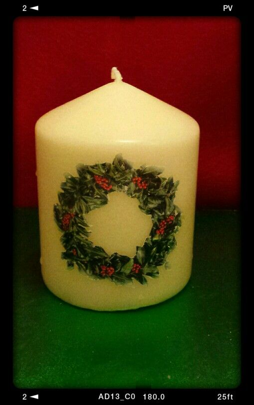 Holly wreath candle