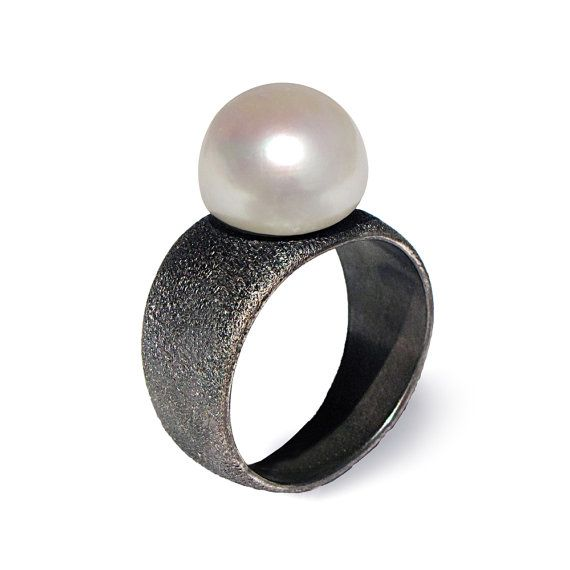 BLACK and WHITE Pearl Ring Black Ring Band Black by AroshaTaglia
